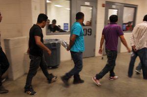ICE sigue pidiendo detener a extranjeros sin delitos