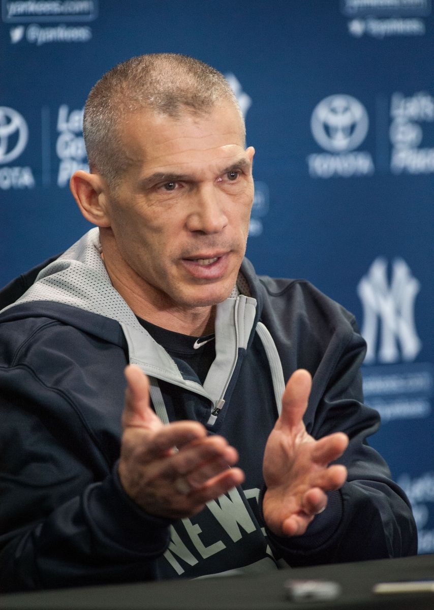 Yankees buscan un as para salvar los muebles