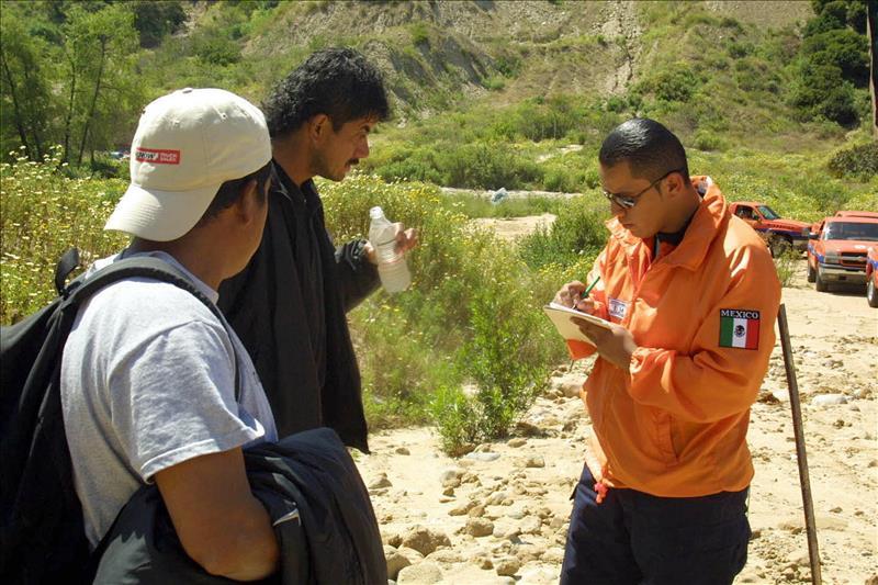 Agentes migratorios detienen a 40 indocumentados