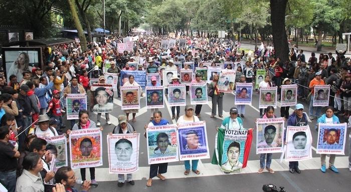 Ejército mexicano debe entregar comunicaciones con EU sobre caso Iguala
