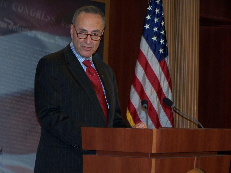 Senadores de NY se suman a pedido del TPS para ecuatorianos en EEUU