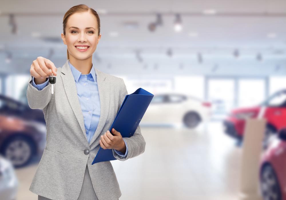Pocas mujeres venden autos… pero tienen sus razones