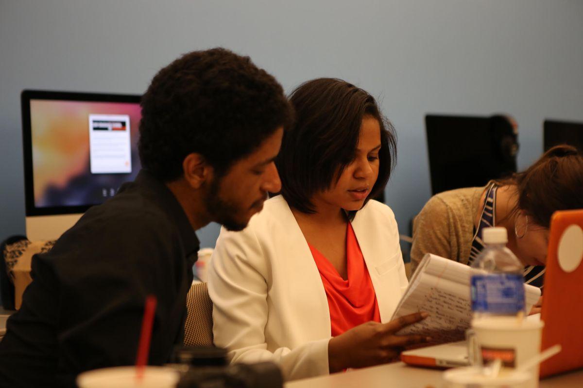 Alianza internacional para enseñar el mejor periodismo en español en EEUU