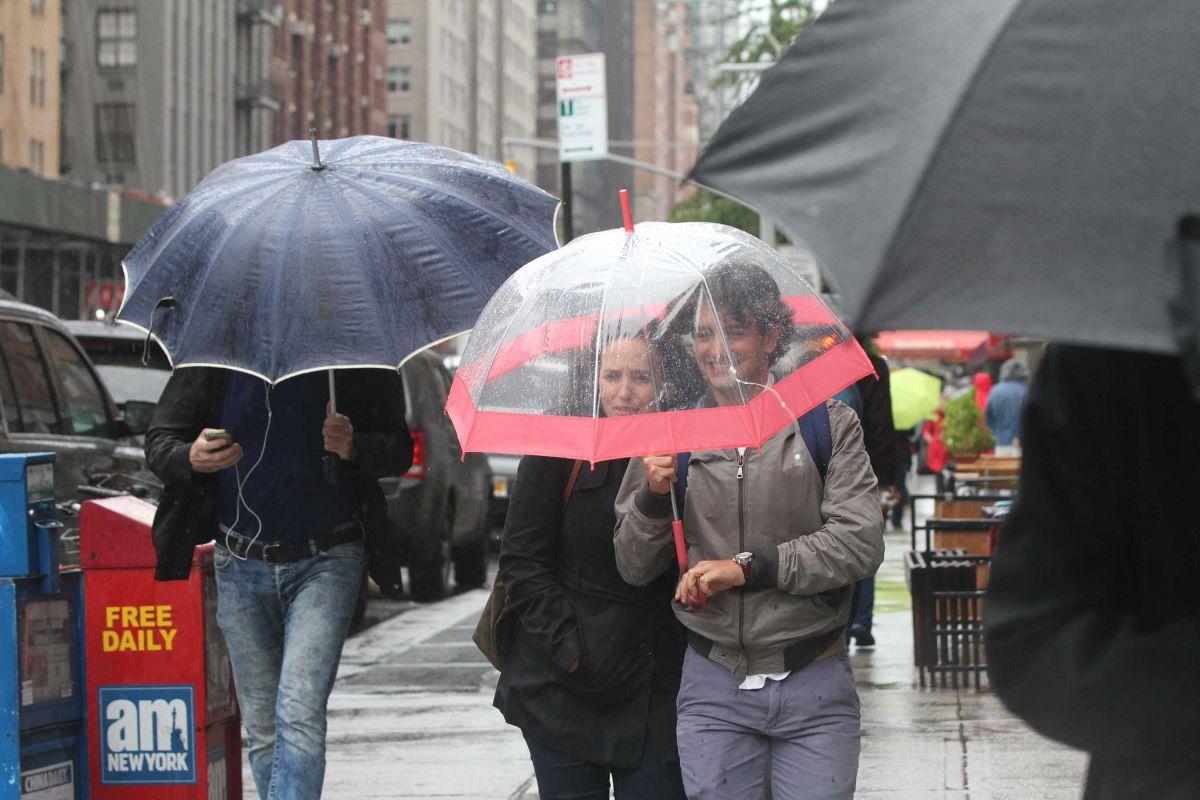 Nueva York no baja la guardia frente a huracán Joaquín