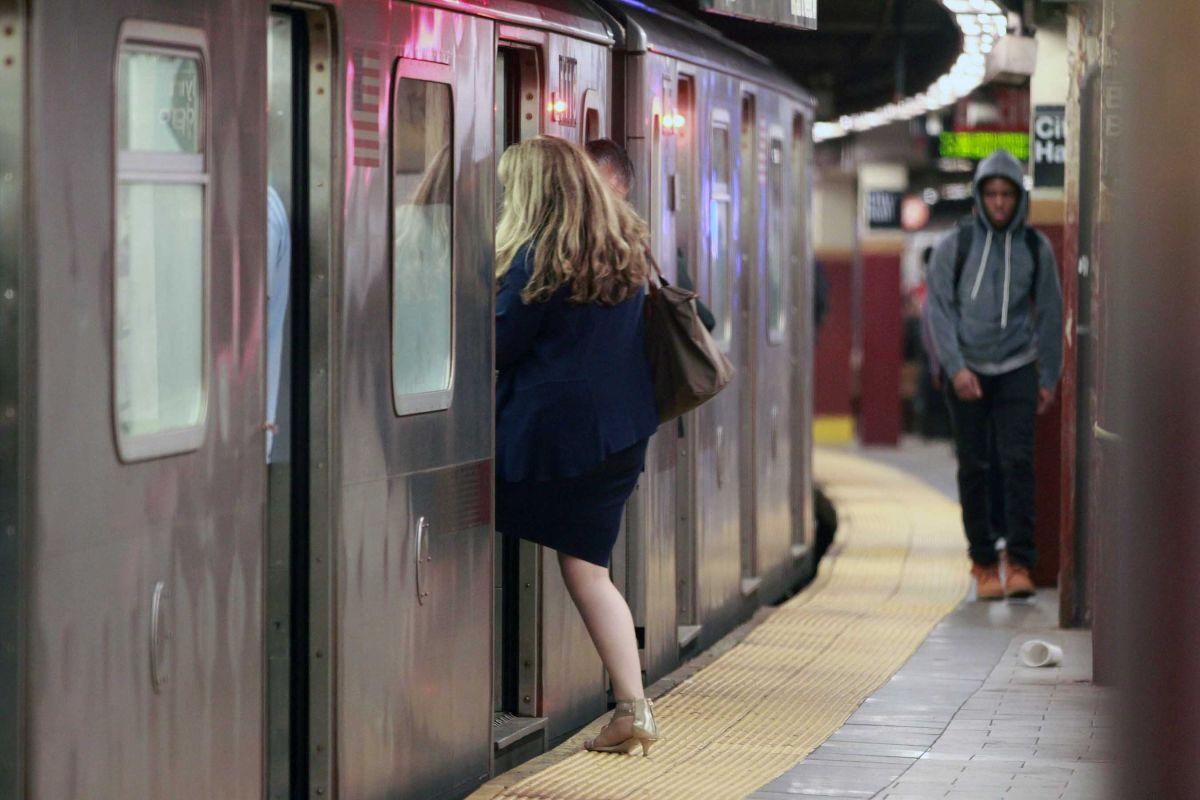 Los delitos sexuales en el metro han aumentado este año a 6.65 por día.