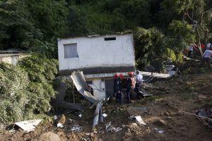 Guatemala: Al menos 26 muertos y cientos desaparecidos en derrumbe (VIDEO, FOTOS)
