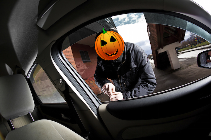Halloween es el día de brujas y también de los ladrones de autos