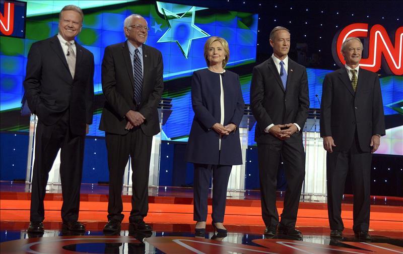 """Hillary Clinton pide un """"New Deal"""" para latinos y negros en EEUU"""
