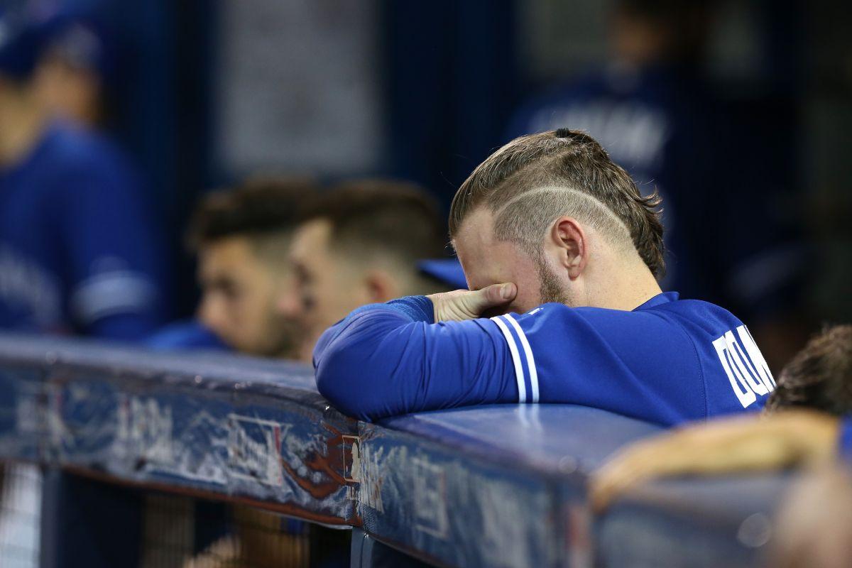 Rangers tienen a los Azulejos justo donde los querían… y van a casa a tratar de rematarlos