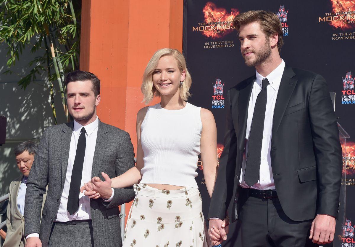 """Los actores posan en el estreno de la película  """"Mockingjay - Part 2"""", en Los Ángeles."""