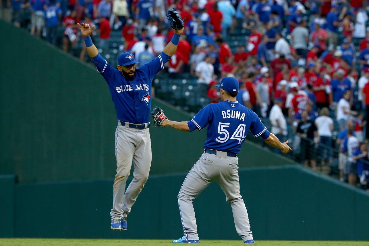 Azulejos gana en Texas y obliga a quinto juego en Toronto