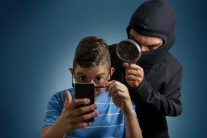 ¿Los pitufos dominan tu celular?