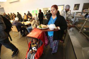 Más 45,000 personas en la Gran Manzana pasan hambre