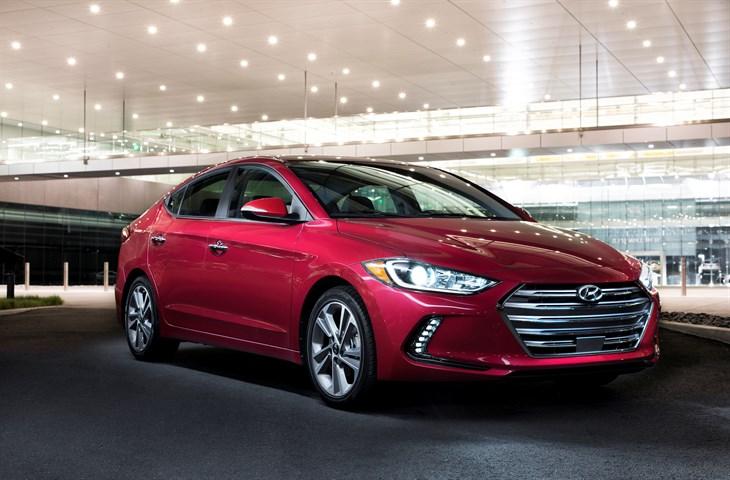 Hyundai develó el Elantra 2017
