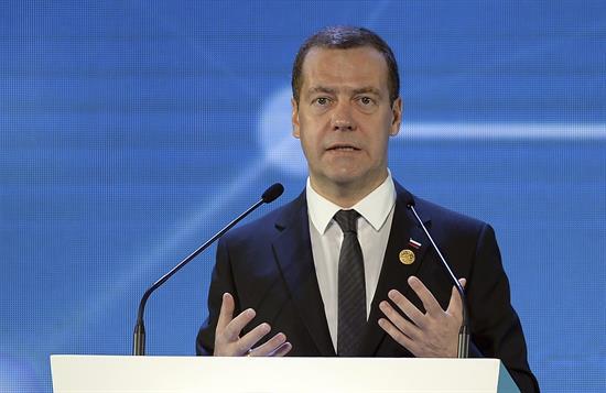 Medvédev advierte a Turquía que adoptará medidas económicas por derribo de avión