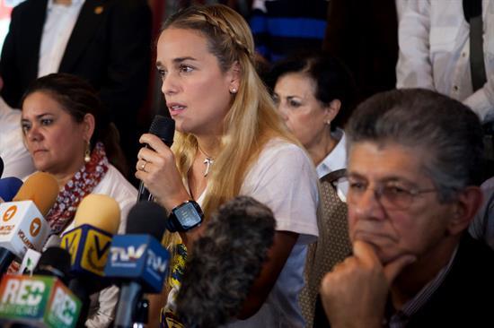 Obligan a Lilian Tintori a desnudarse en cárcel de Ramo Verde