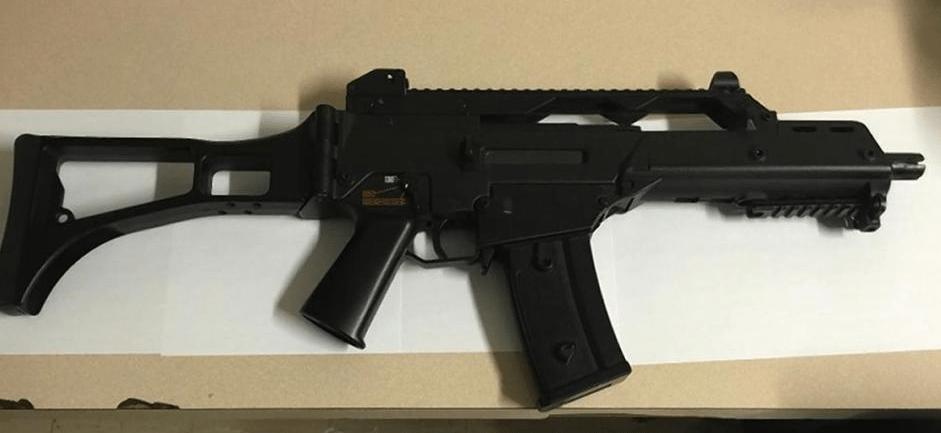 Ladrones utilizan pistola de juguete para robar en Brooklyn