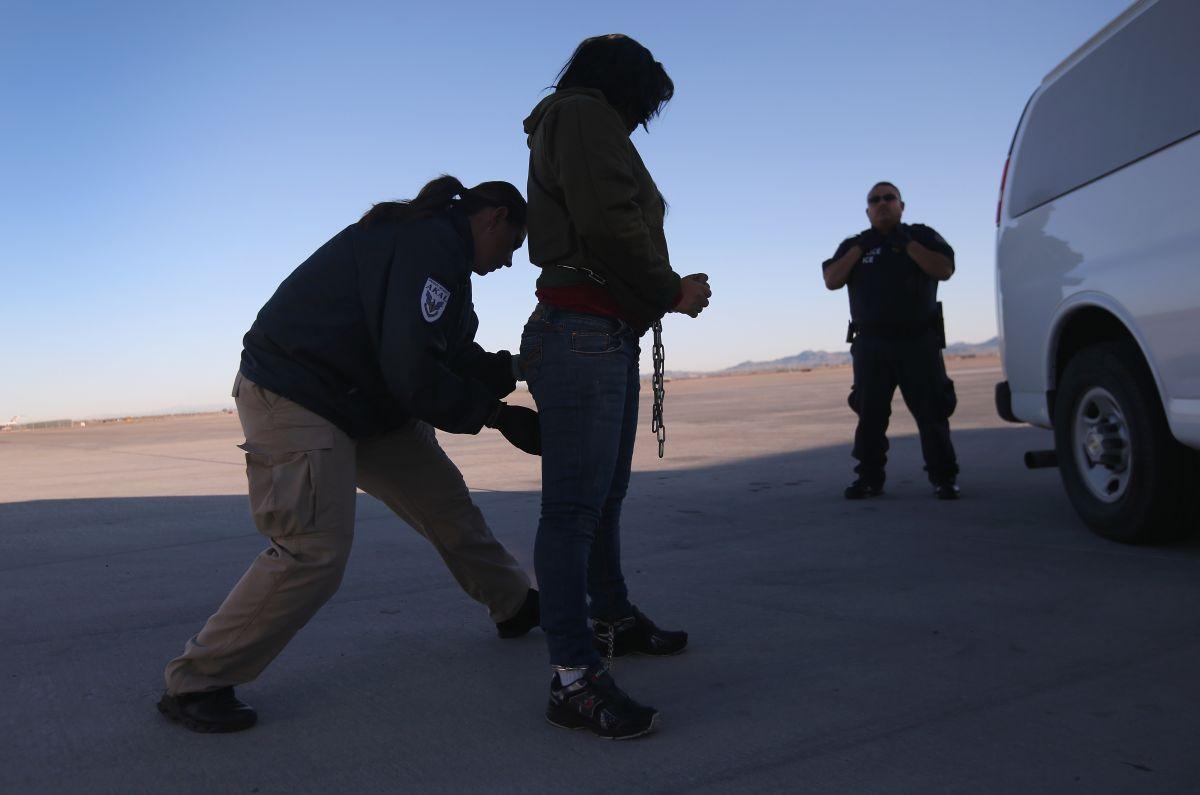 DHS finaliza planes para redadas a gran escala contra indocumentados a inicios de 2016