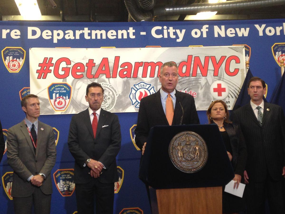 Instalarán 100 mil detectores de humo gratuitos en Nueva York
