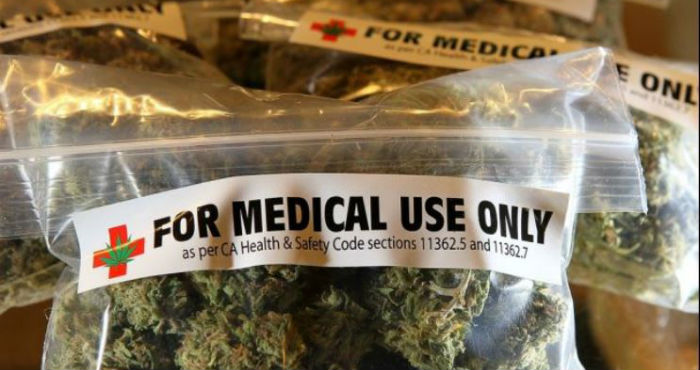 Piden a Cuomo firmar acceso anticipado a marihuana medicinal