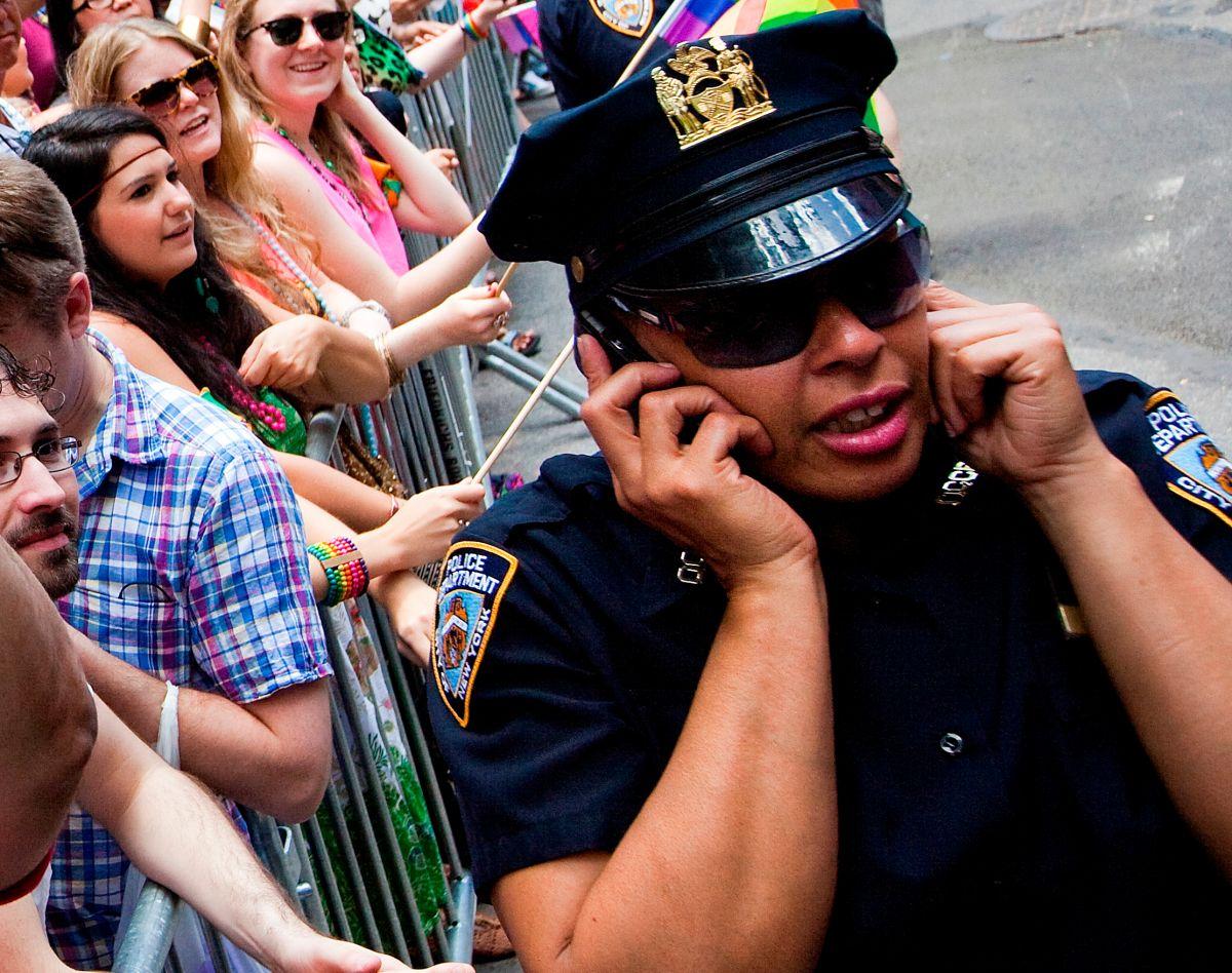 Policías recibirán teléfonos de alta tecnología