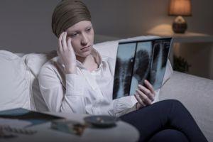 Cáncer de pulmón afecta a más mujeres en EEUU