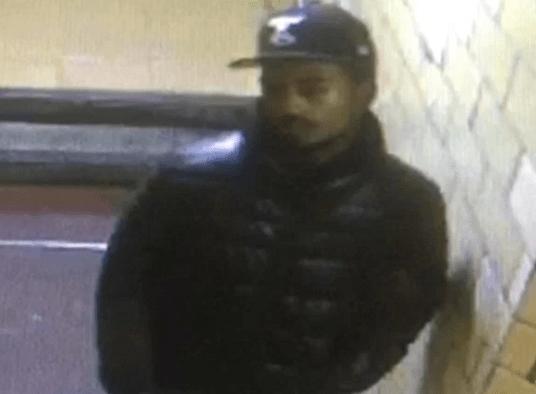 Buscan a hombre por tres ataques sexuales en Manhattan