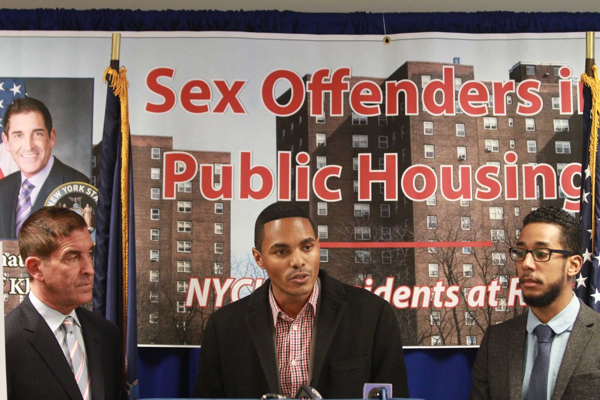 Ofensores sexuales registrados residen en la vivienda pública