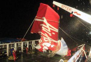 Falla mecánica provocó accidente de AirAsia en Indonesia en 2014