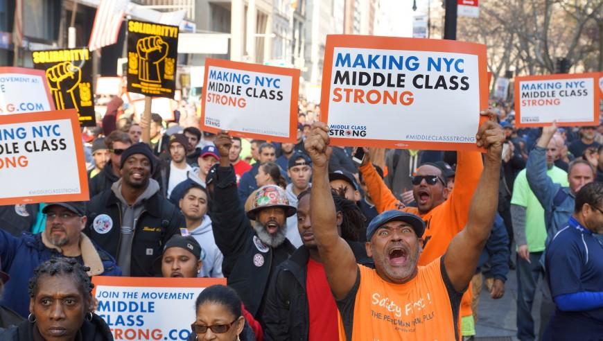 Miles de obreros marchan para exigir más seguridad en las construcciones