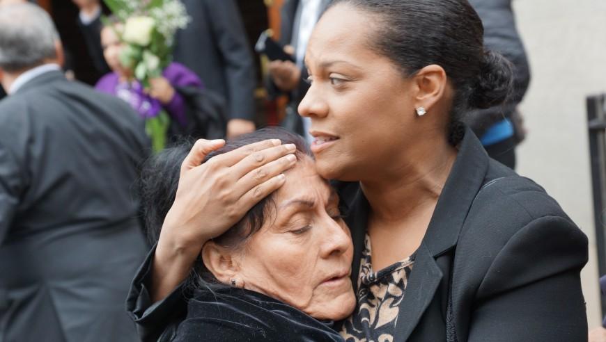 Familiares y amigos dan último adiós a Ovidio Jaramillo