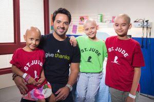 """Luis Fonsi: """"No nos vamos a dar por vencidos hasta vencer al cáncer"""""""