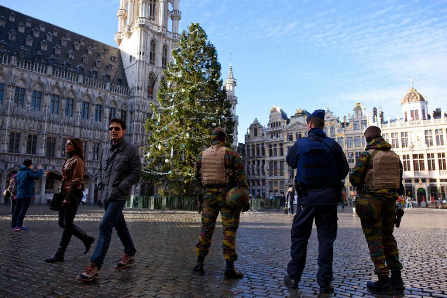 """Bélgica evita un atentado planeado en lugares """"emblemáticos"""" en Nochevieja"""