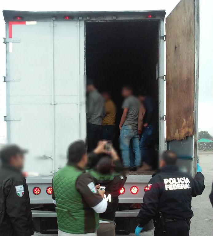 México rescata a 64 indocumentados con signos de deshidratación