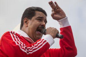 """Video: """"Métase su carta democrática por donde le quepa"""", dice Maduro a la OEA"""
