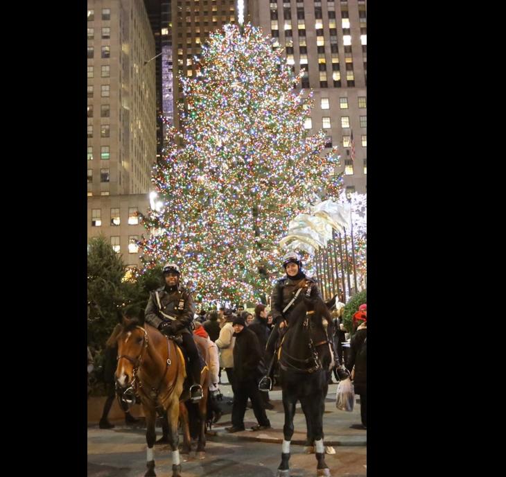 Refuerzan seguridad para encendido del árbol en Rockefeller Center