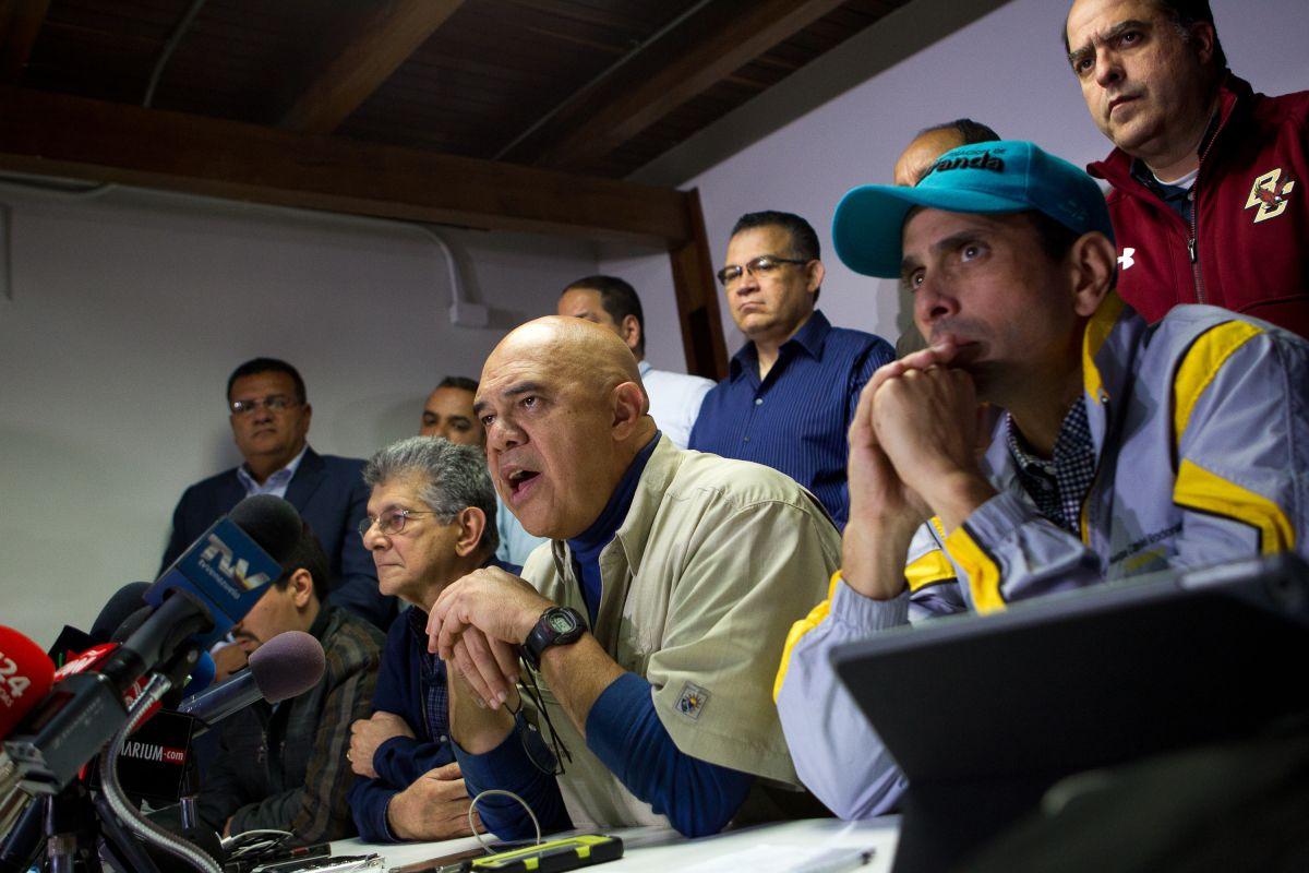 Oposición quiere sacar a Maduro en seis meses