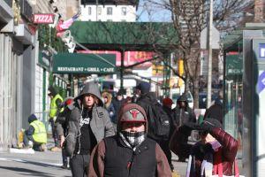 Mujer habría muerto congelada en calle de Brooklyn