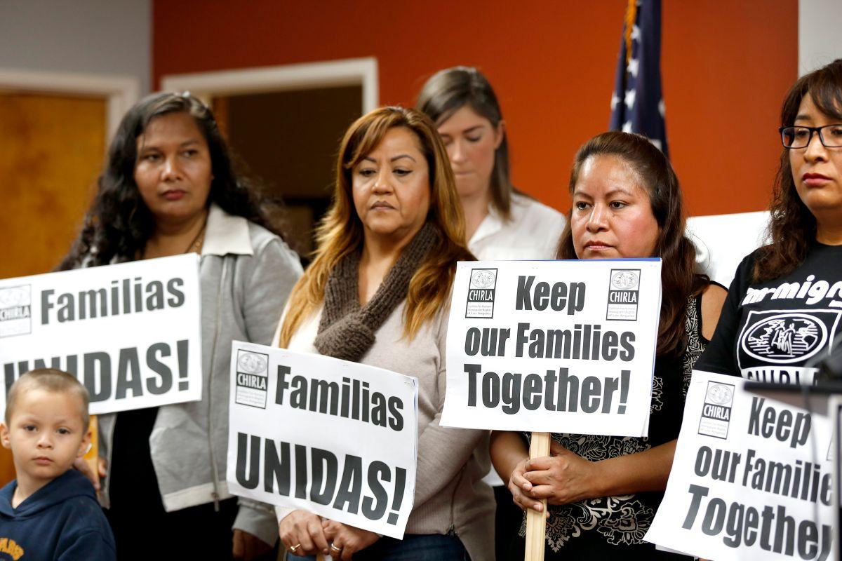Varios grupos de inmigrantes de han manifestado para defender los programas de inmigración DACA y DAPA.