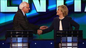 """En vez de """"coronación"""", Clinton consigue incómodo empate virtual con Sanders en Iowa"""