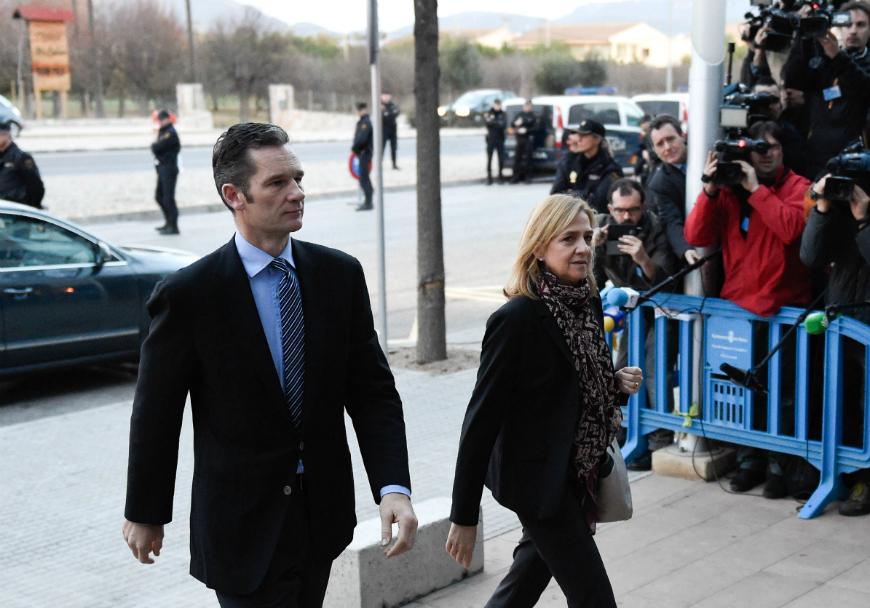 Cristina, hermana del rey de España, comparece ante la justicia