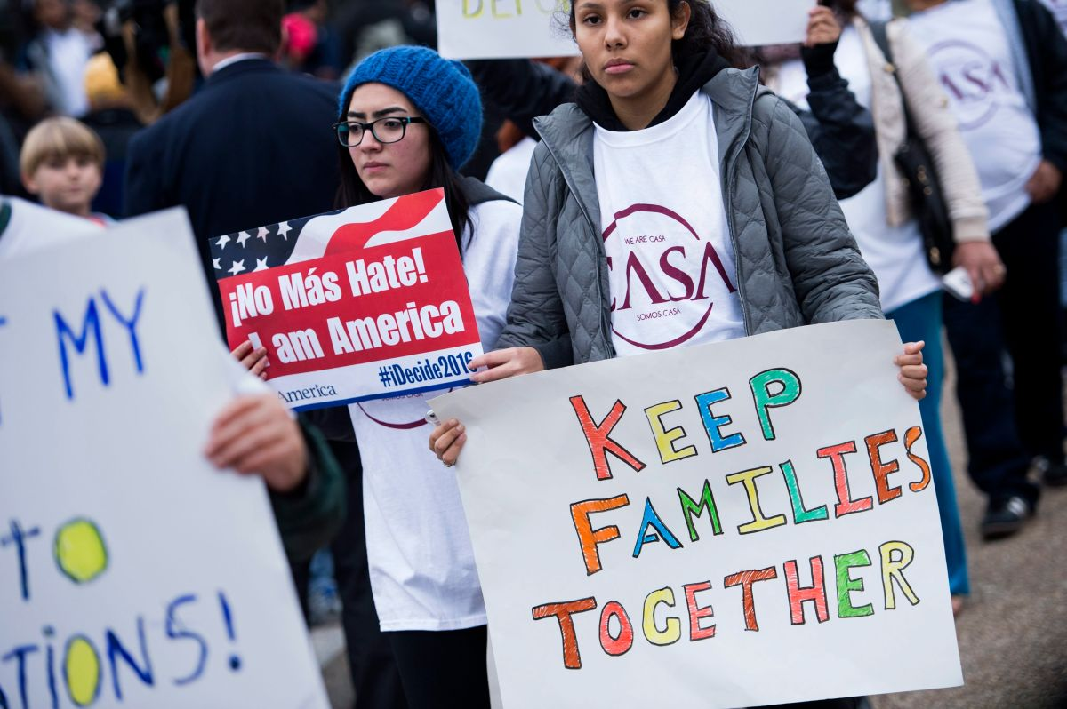 Inmigrantes luchan para evitar la separación familiar. Archivo