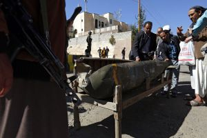 Yemen: 4 muertos en bombardeo a hospital de MSF (video)