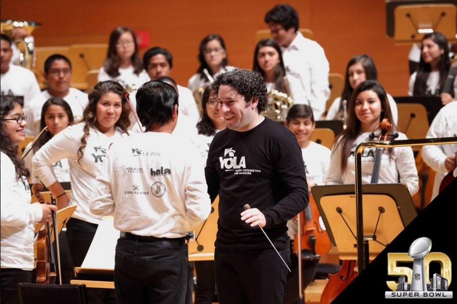 Dudamel dirigirá a la Orquesta Juvenil de LA en el Super Bowl