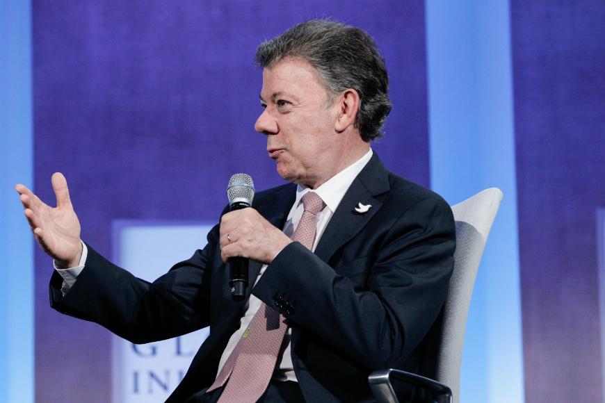 Santos reitera deseo de acelerar proceso de paz