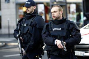 Matan a hombre con un cuchillo y un chaleco explosivo falso en París