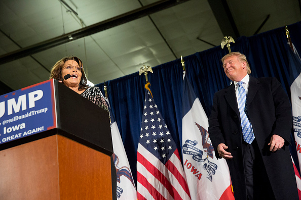 "Sarah Palin, la reina del ""tea party"" y el reality TV, respalda a Donald Trump"