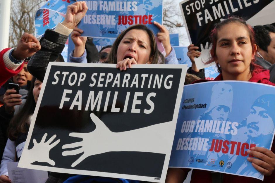 Corte Suprema bloquea alivios migratorios