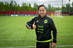 Charlyn Corral renuncia a la selección mexicana femenil