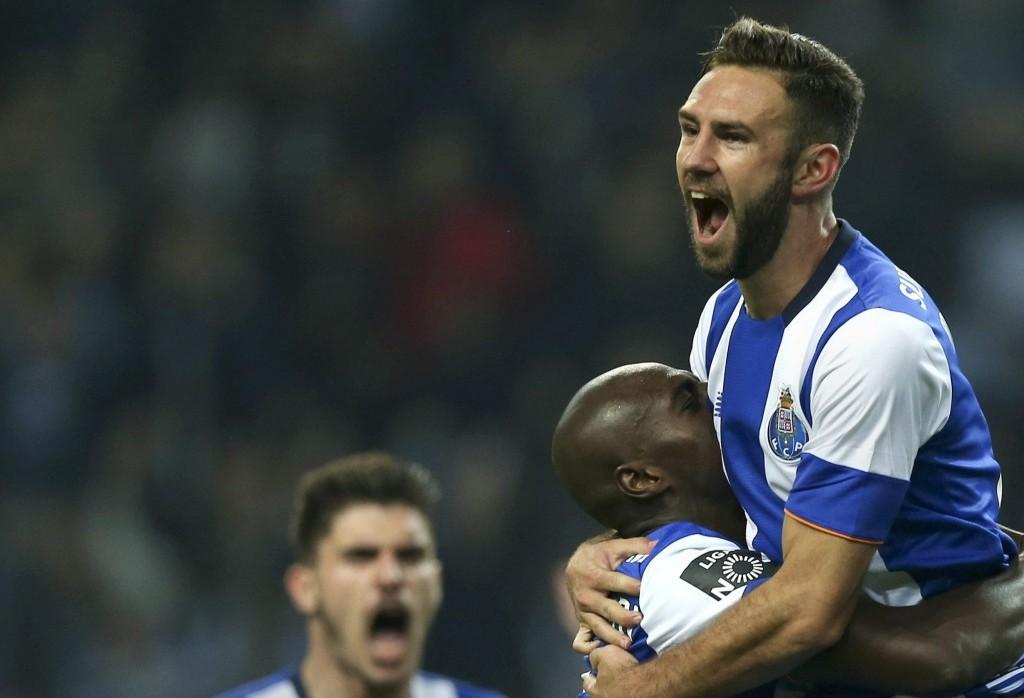 Miguel Layún se adueñó de la lateral del Porto desde su llegada procedente del Watford de la Premier League.